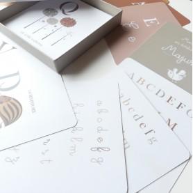 cartes abécédaire de la nature, apprendre l'alphabet, alphabet lettres cursives et scriptes